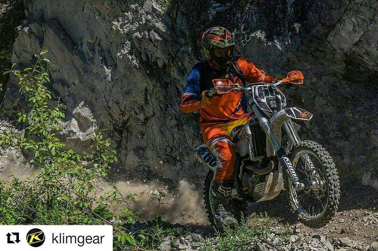 Klim valikoimista löydät myös värikkäät enduro ja crossi varusteet Tutustu lisää osoitteesta http://ift.tt/1rFEx1e  @drivos_com #drive_with_us #klim #enduro #motocross  #Repost @klimgear  #KLIM's VP of Sales and Marketing Brett Nicholas letting loose at this year's Cow Tag event.   @elywoody -  Steep loose cliffside climbs mud roots river crossings relentless blinding dust.... we found a little bit of everything yesterday! #klimcowtag #klimlife #klimmoto #enduro #dualsport #braap #ktm #idaho…