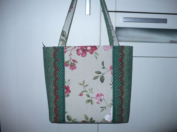 Large handbag with flower patterns