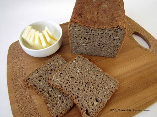 Rugbrød Without Sourdough