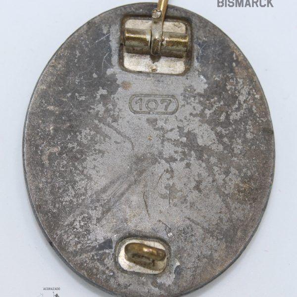 Insignia Herido categoría plata Marcaje: 107 Fabricante: Carl Wild CW, Hamburg Fabricación en zinc En muy buen estado de conservación