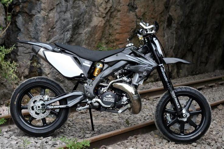 Monster_Honda_CR500_supermotard_06