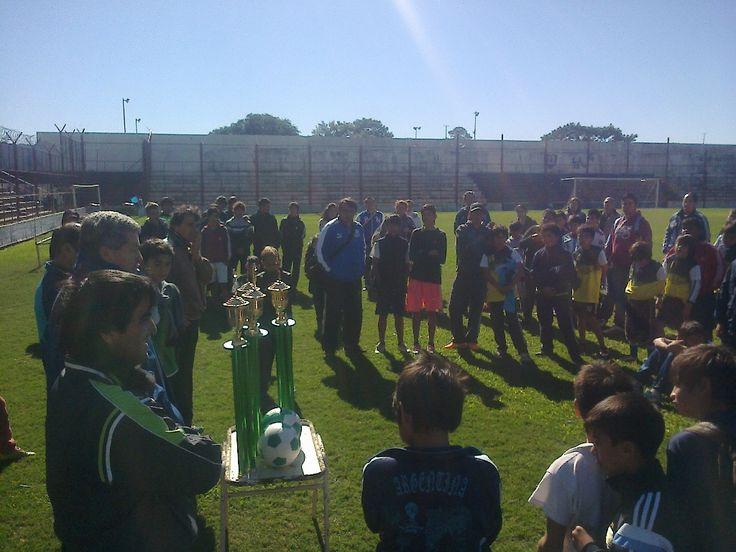 DESARROLLO SOCIAL: Se concretó torneo de fútbol en el Club Huracán #VamosParaAdelante