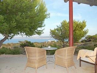 Meravigliosa proprietà a picco sul mare e vista mozzafiato Case vacanze in Formentera da @homeaway! #vacation #rental #travel #homeaway