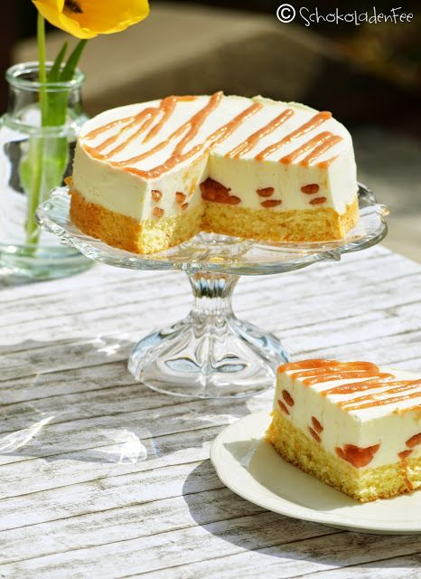 Panna Cotta-Torte mit Rhabarber Swirl   SchokoladenFee