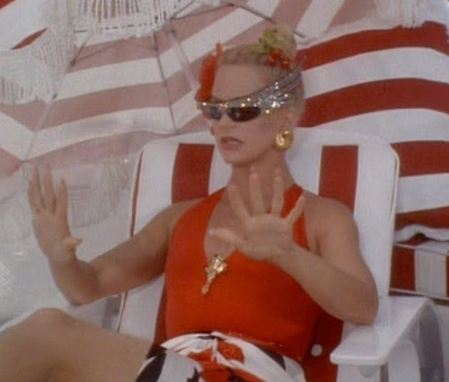 so into these glasses  Goldie Hawn in Overboard