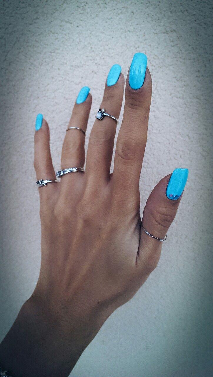 Turqoise nails lonng natural rings