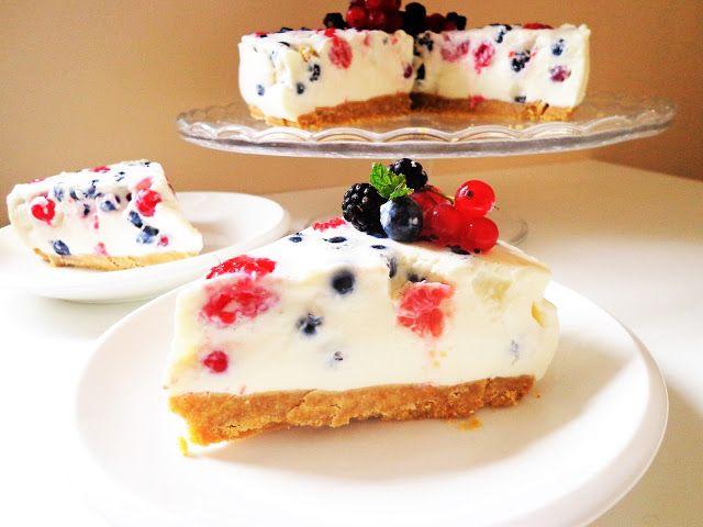 Cheesecake z owocami leśnymi (Cheesecake ai frutti di bosco)