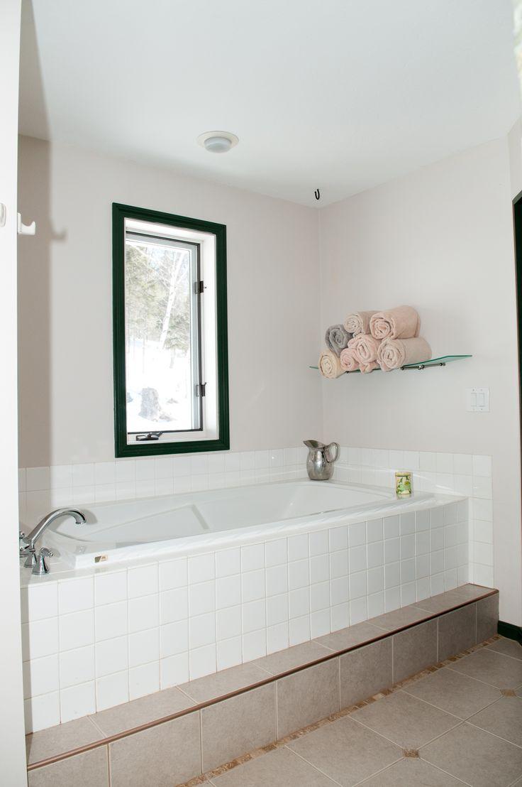 Soaking tub in Master Bath. 206 Coach Rd, Bridgewater, NH www.newenglandmoves.com/Dean.Eastman
