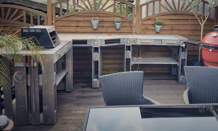 Moesta-BBQ Outdoor-Möbel verhelfen dir in wenigen Arbeitsschritten zur eigenen Außenküche. Outdoorküchen-Elemente und Grilltische in Palettenoptik…