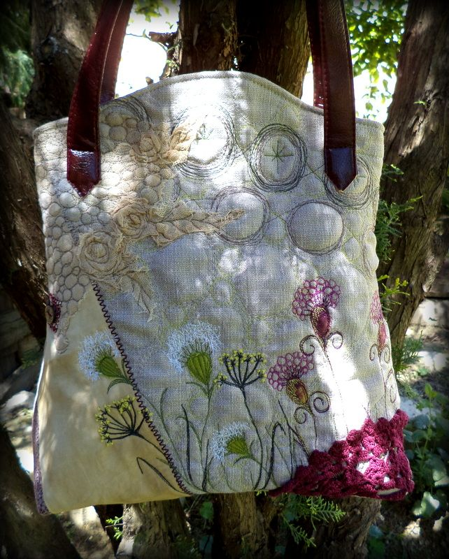 ZerVir bag with embroidered wild flowers