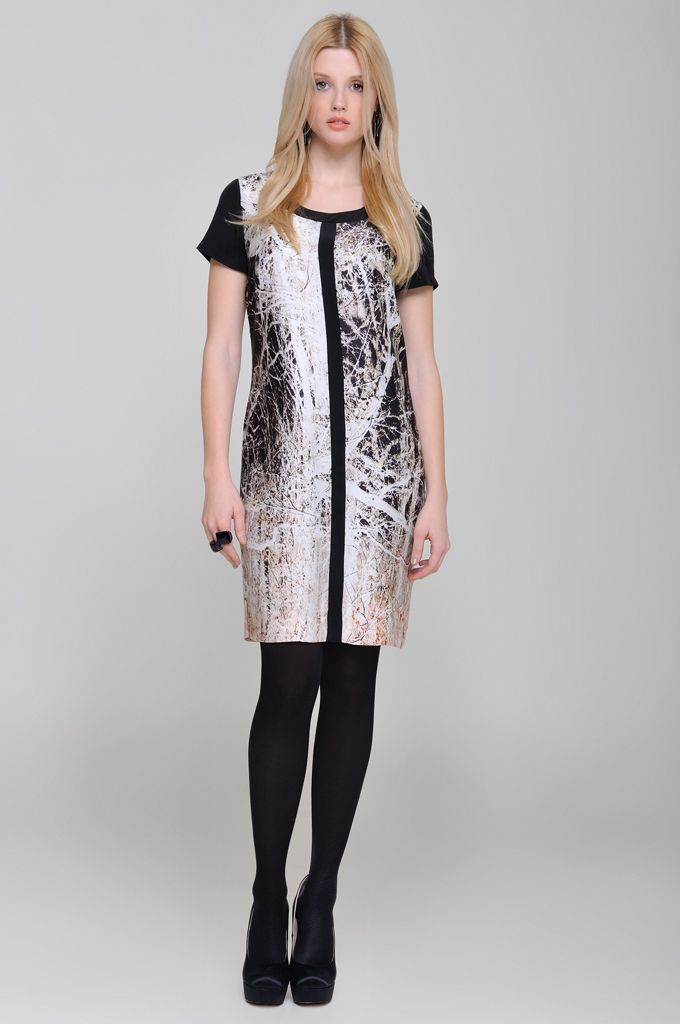 Printed dress with black details