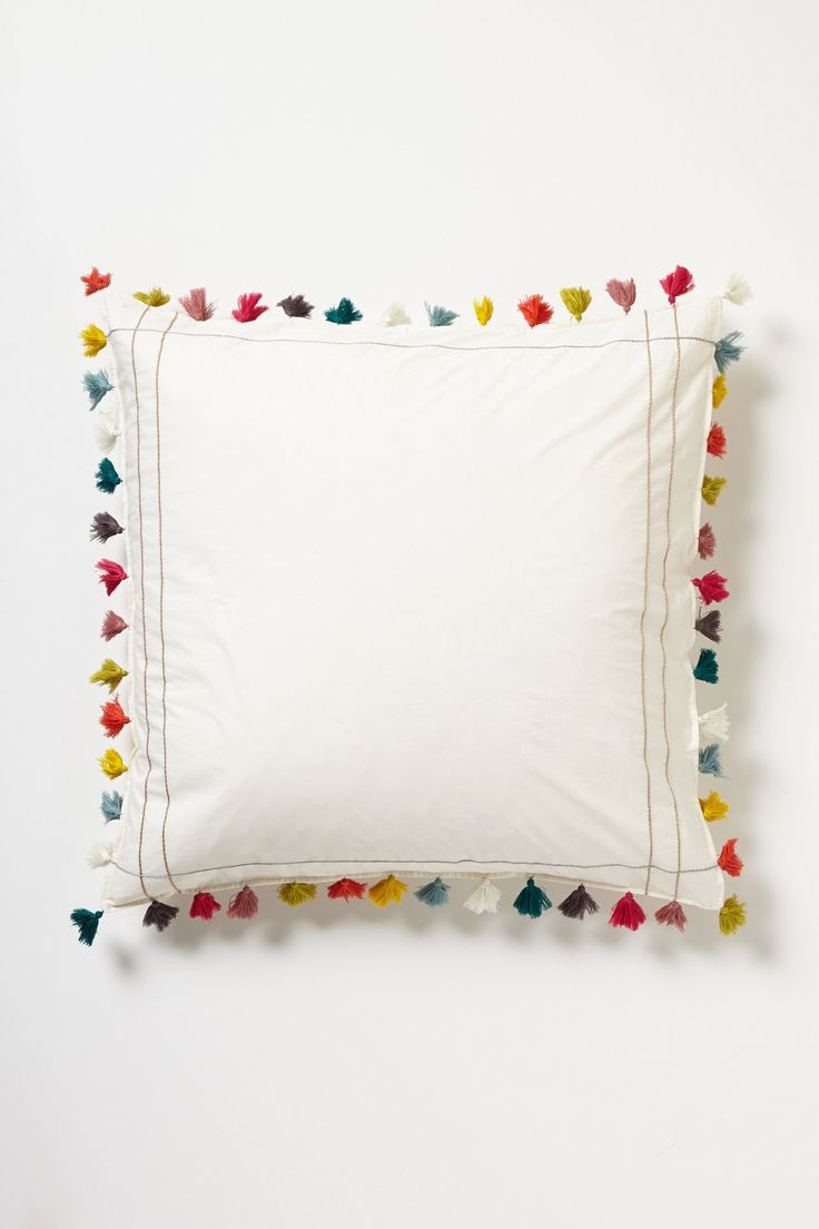 Tassel Pillow inspiring me to try something similar with pom poms