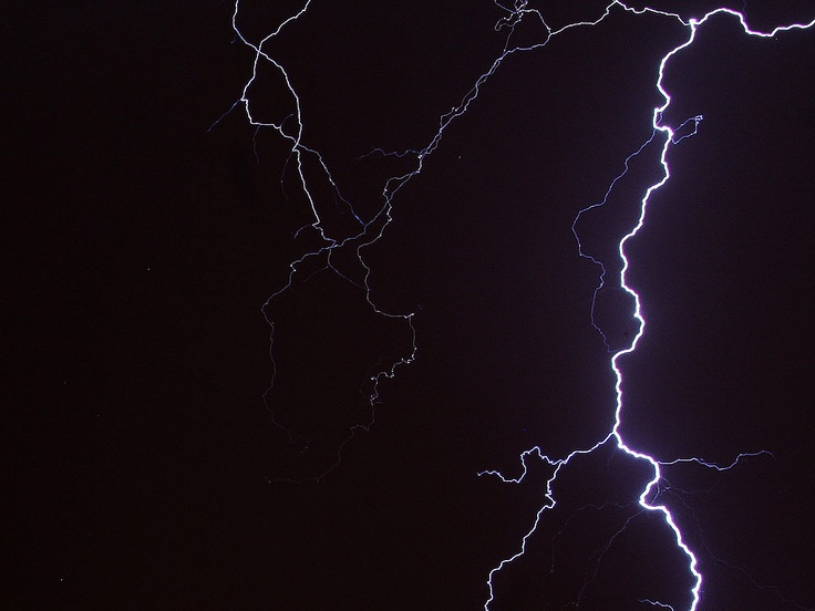 Blitz / Lightning. Original size: 1400 x 1050 px. Free for non-commercial use