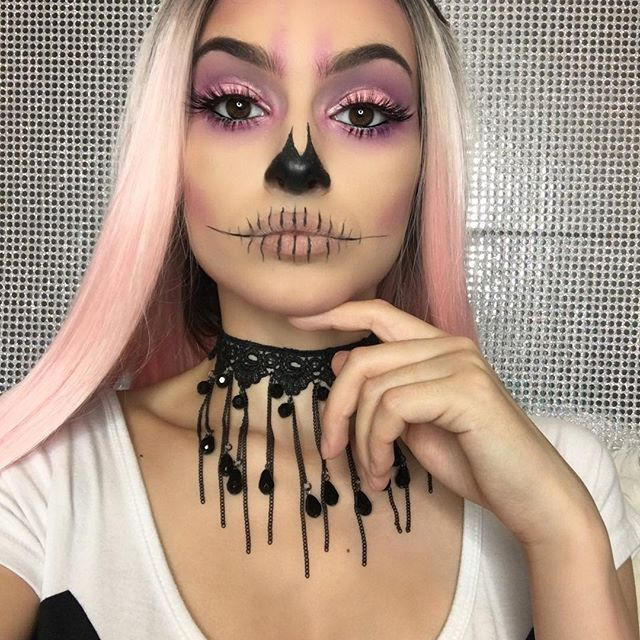"""Filmed this skull glam makeup look will be up soon on my YouTube channel ✨ Inspo from @makeupbyjaack Used @morphebrushes 35B palette for this whole look #morphebrushes #morphegoals @prettilittlelashes """"Goddess"""" lashes #prettilittlelashes @sigmabeauty legend line ace liquid liner #Sigmabeauty @smoldercosmetics loose mineral powder in """"pink mocha"""" on lids #smoldercosmetics Wig @uniwigs #uniwigs"""