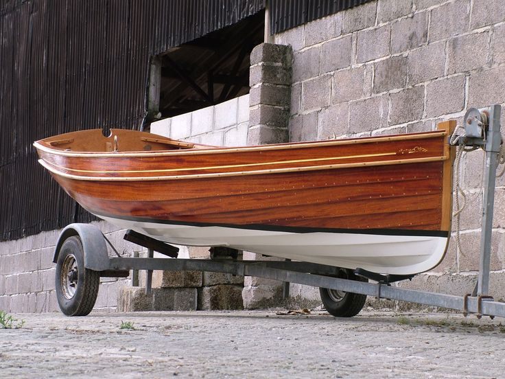 gunwale stripes, rubbing strake and bronze rubbing strake off stem | Boats | Wooden boat plans ...
