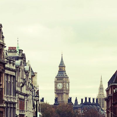 I just need to go to London. Now! It seems so amazing! Definitely on my bucket list as somewhere to visit.