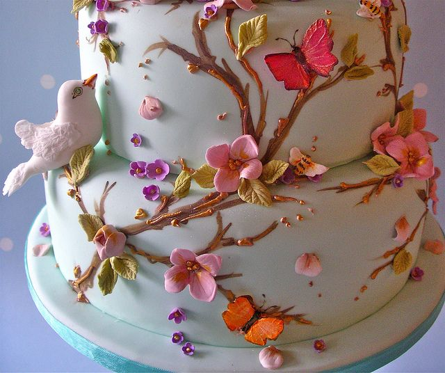 love is in the air by nice icing via flickr - Decorated Cakes