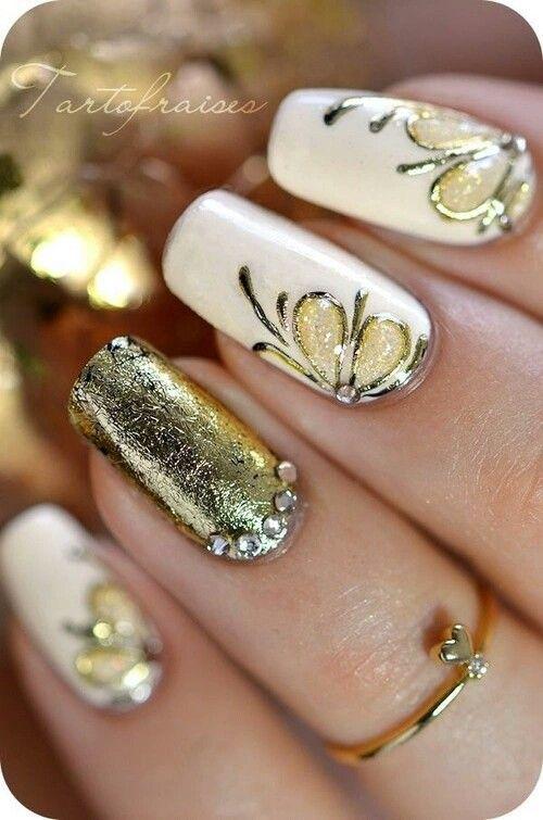 Perfect gold nails