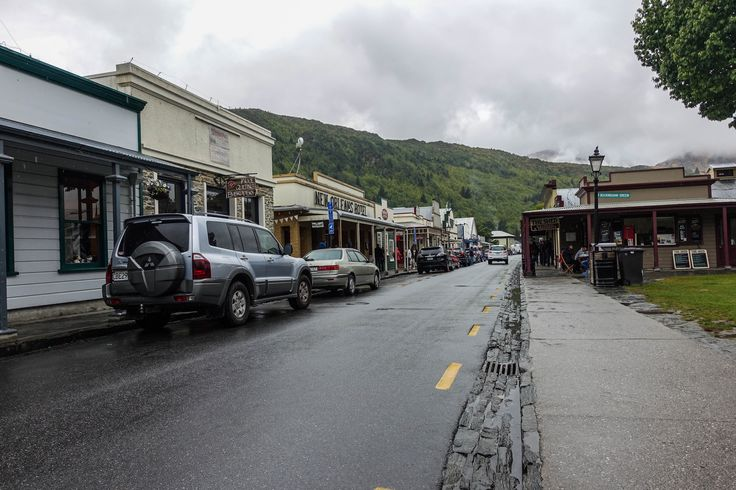 Adorable town of Arrowtown only 20km from Queenstown, South Island