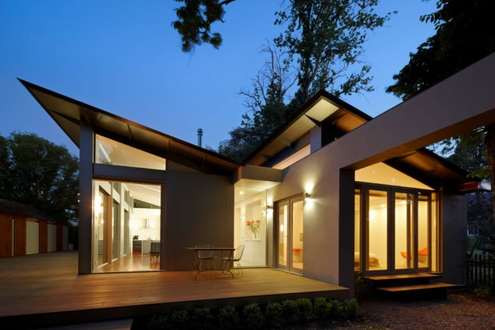 Single story house is located on a leafy well established street in Kyneton, Victoria