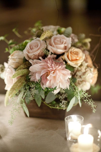 wedding flower centerpiece composition rustic country
