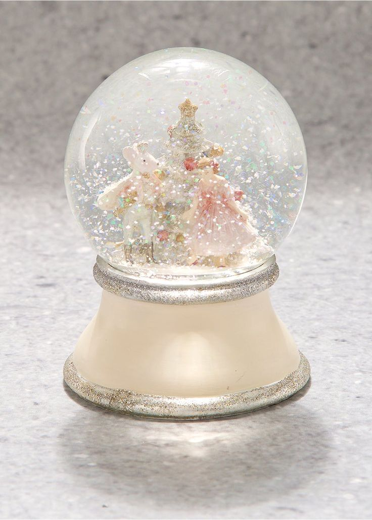 Glitter Christmas Snow Globe (14cm x 10cm)