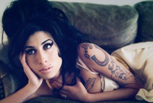 Amy Winehouse - jak stworzyła swój charakterystyczny i kopiowany na całym świecie wizerunek?