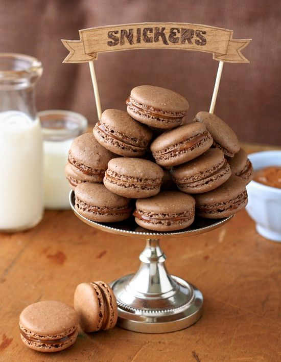 snickers macaronsDesserts, Cookies, Snickers Macarons, Chocolates, Sweets, Food, Baking, Macaroons, French Style