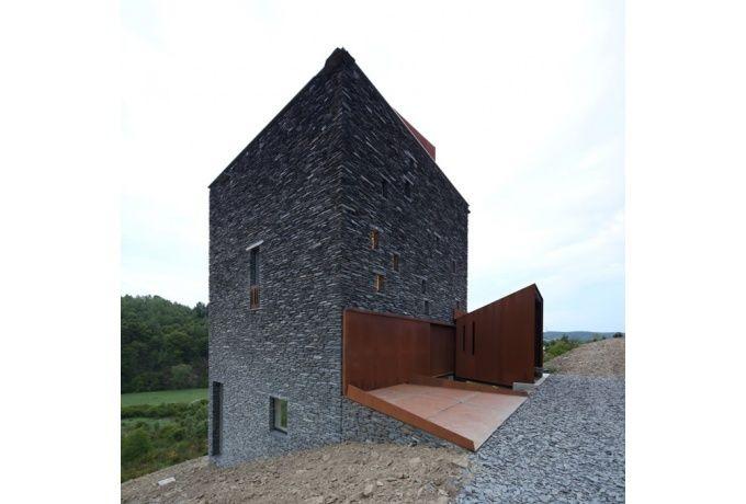 Prisme furtif : villa à Martelange - D'architectures