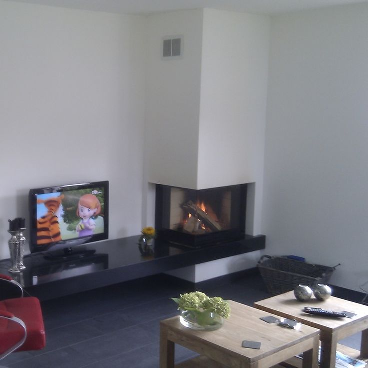 126 best images about inbouw haard naast boven televisie on pinterest spotlight kale and modern - Goede hoek televisie ...