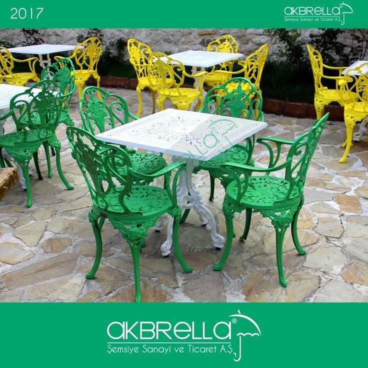 #bahçemobilyası @bahçemobilyaları Yeşil güllü desen alüminyum bahçe sandalyesi ve kare beyaz bahçe masası takımı