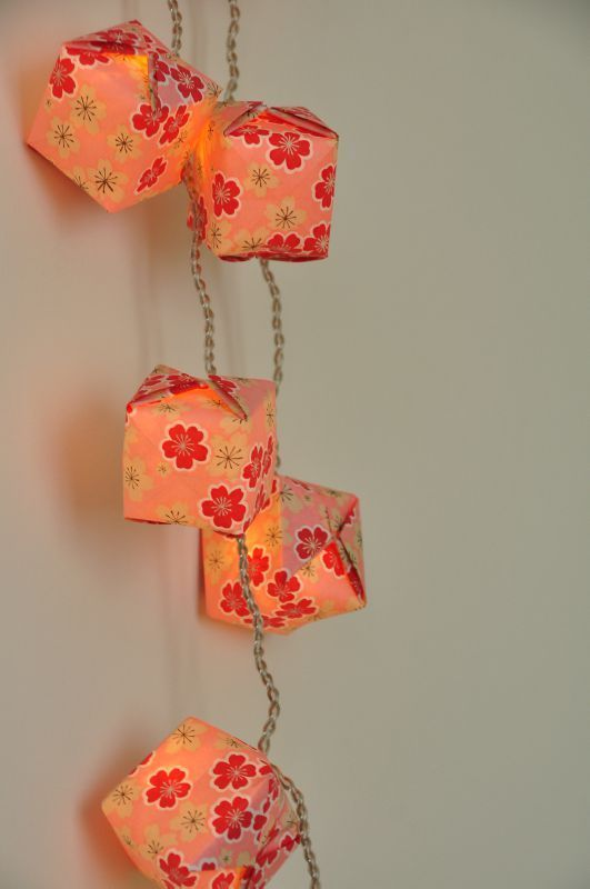 Euro origami and cubes on pinterest - Guirlande papier japonais ...