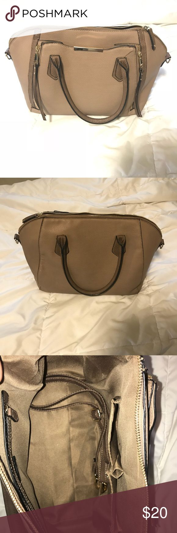 Target purse In excellent condition! Only a few months old, in fact target might still sell it lol. Holds SO MUCH STUFF!! Mossimo Supply Co Bags