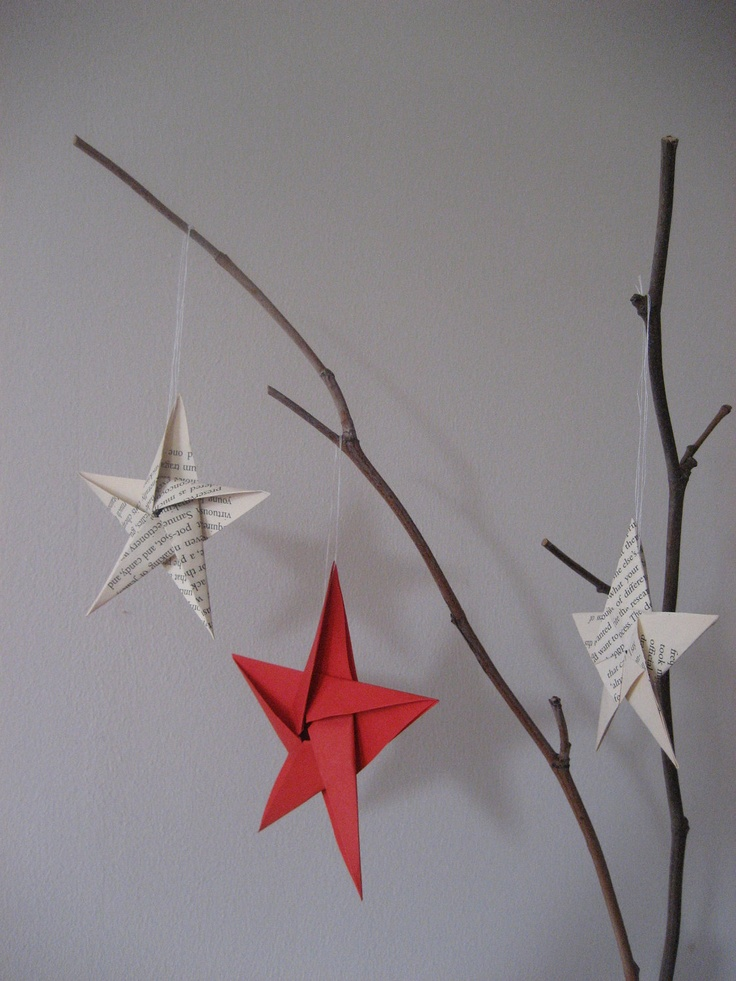 Christmas origami star, these would be great on a Christmas card