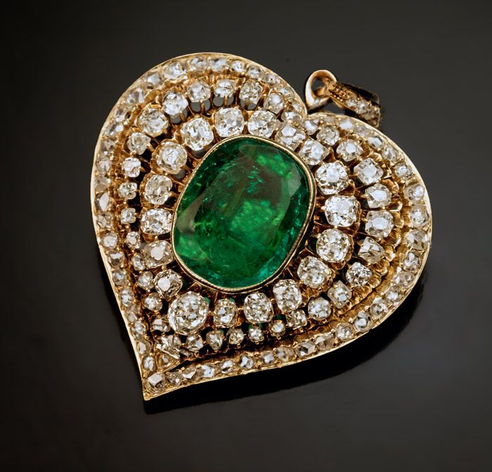Heart jewelry- Antique Victorian 1800s emerald, old mine cut diamond and gold heart shaped pendant