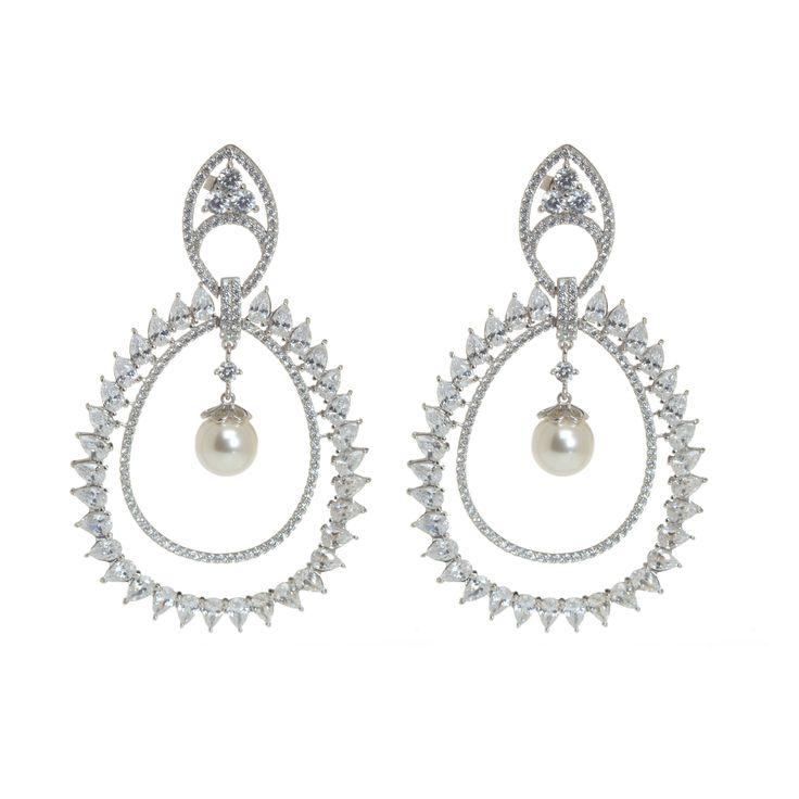 Tem joia mais ideal para o dia do seu casamento, do que a pérola? Aqui na Queen temos peças com pérolas naturais.  Compre peloWhatsapp (11) 9.9686-1785.      #joias #atacadodejoias #joiasnoatacado #atacado #revender #revenderjoias #dinheiro #extra #dinheiroextra #alta #joalheria #altajoalheria #prata #925 #prata925 #ródio #jewelry #jewels #presente #noiva #casamento #casar #pérolas #pérola