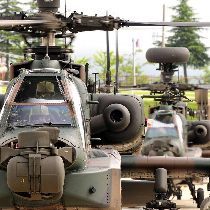 「僚機の絆」 離陸しようとする2機のAH-64D #アパッチ #ヘリコプター #離陸 #僚機 #陸上自衛隊 #自衛隊 #陸自 #apache #Helicopter #AH64 #ah64d #apachehelicopter #consortplane #jgsdf #jsdf #gsdf