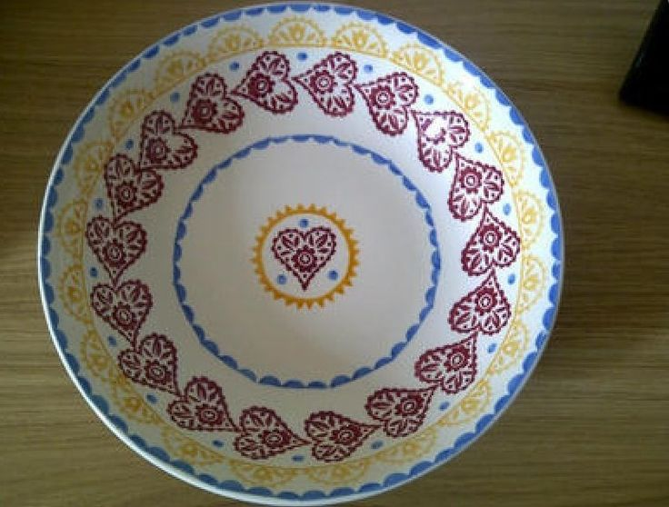 Gypsy Hearts Medium Dish for the Collectors Club 2002 (Discontinued)
