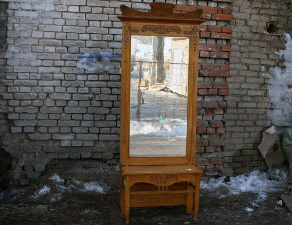 Старинное зеркало с консолью  #antique #antik #sale #interior #decor #antiq #vintage #retro #kontorak #furniture #oldfurniture #wood #oldtime #antiquities