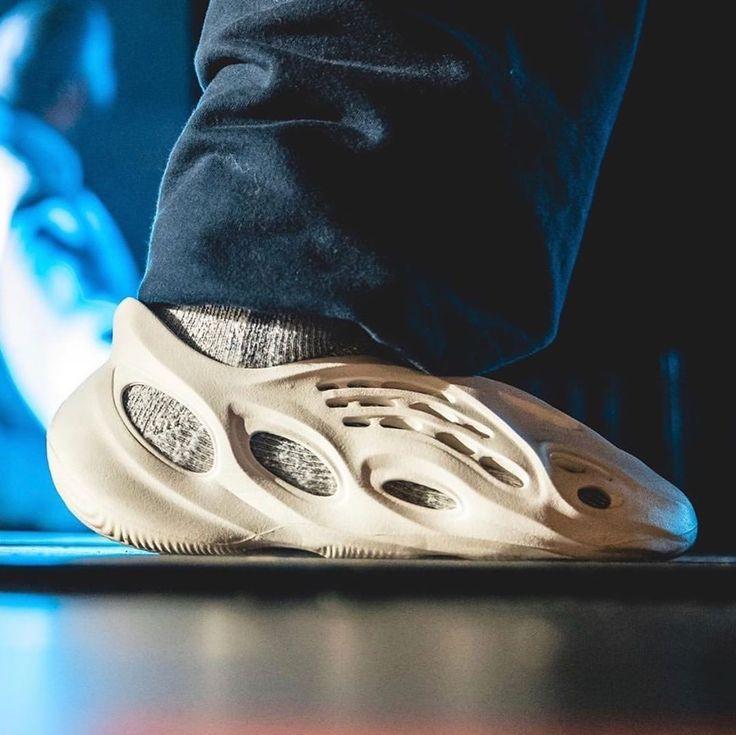 Yeezy Crocs Custom sneakers nike, Sneakers nike, Sneaker
