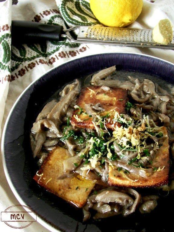 Zuppa di funghi con tofu // mushrooms and tofu soup