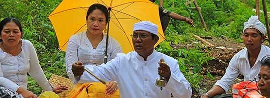 Bali is an amazing island destination in Indonesia. The Balinese regard their Hindu traditions highly and their daily life is full with ceremonies.