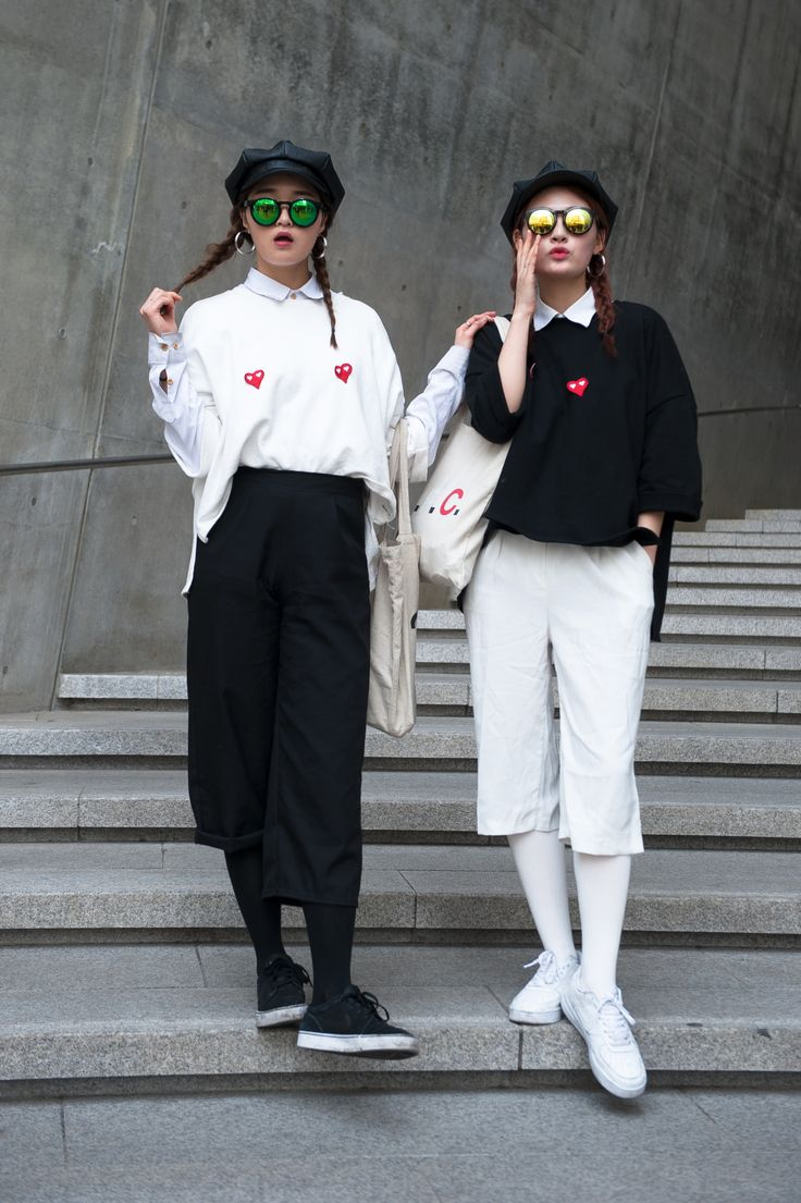 Matchy-matchy styling continues to amaze at Seoul Fashion Week.
