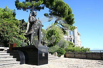 Prince Albert 1st statue in Monaco