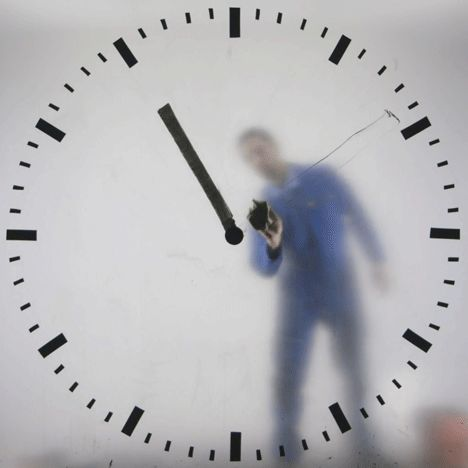 Dutch designer Maarten Baas' giant Schiphol timepiece replaces traditional clock…