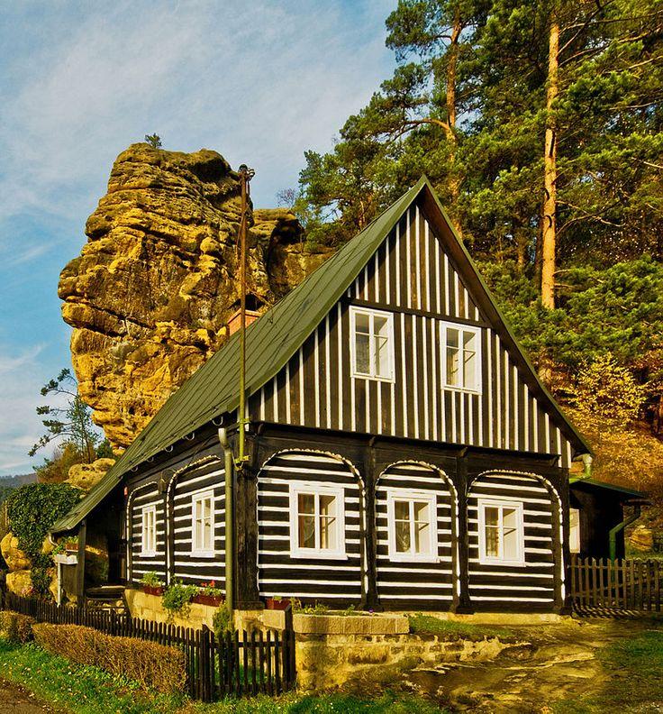 Typický podstávkový dům - České Švýcarsko, Česká republika