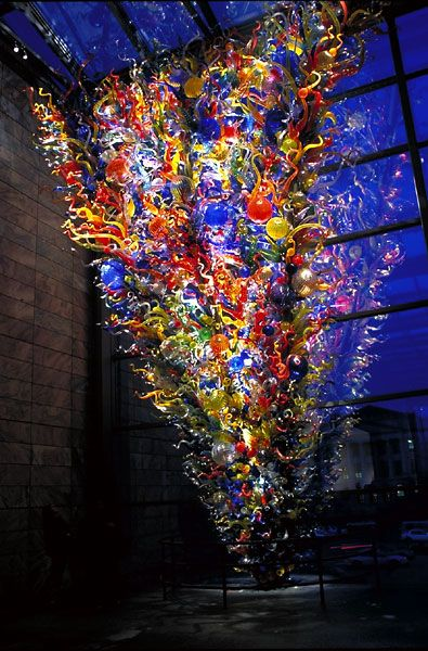 Dale Chihuly, Inside and Out (2000). It's truly amazing what this artist can do with glass...