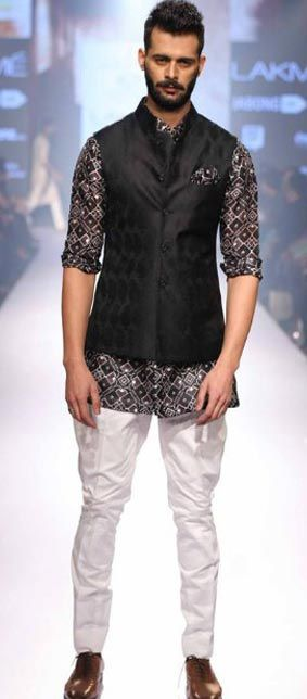 top-sangeet-wear-indian-wedding-for-men-designer-Raghavendra-rathore-black-and-white-spring-summer-2016 (1)