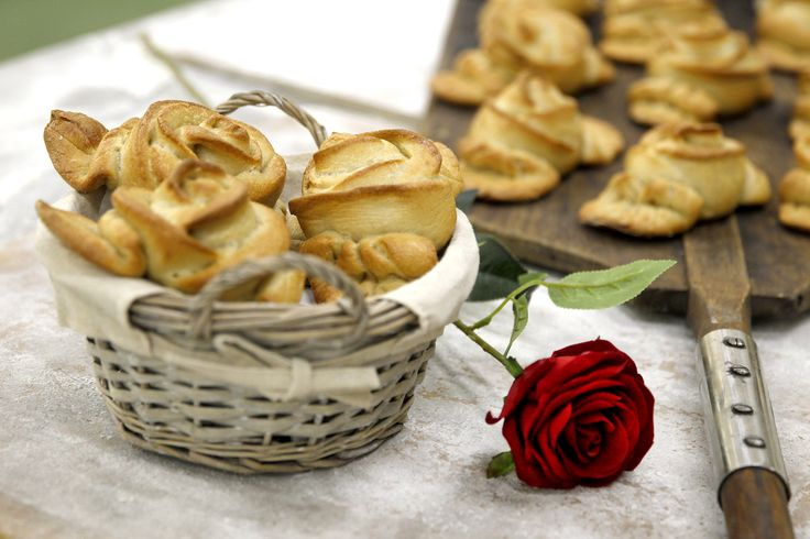 Las Rosas de Sant Jordi más orginales y más sabrosas las tenemos en el Fornet #LaRosadeElFornet #MomentoFornet #ElFornetEnSantJordi