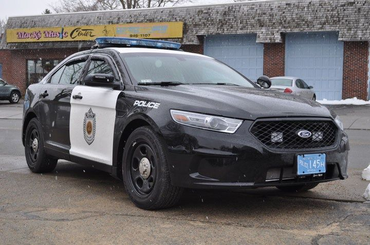 Comparison: Ford Taurus SHO vs. Ford Taurus Police Interceptor ...